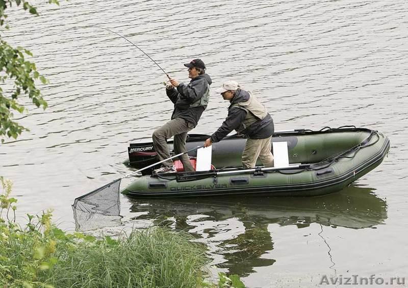 рыбалка на моторной лодке троллингом