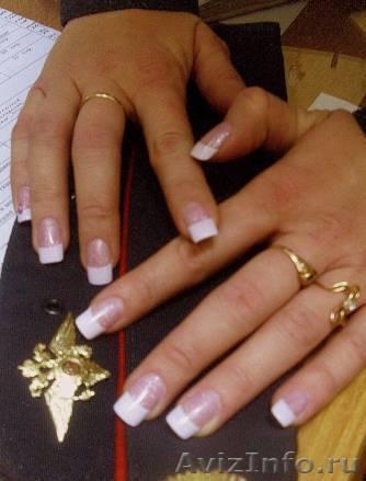 Белый френч растяжка на ногтях
